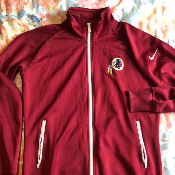 Washington Redskins Nike Jacket. M 5b427f7104e33dc8e0dde99e 363cc70f9